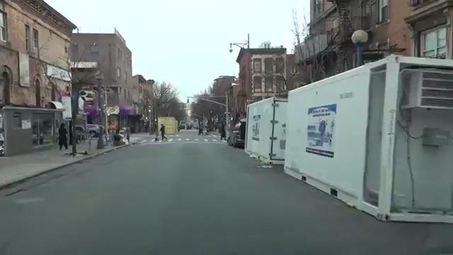 Евреи-ортодоксы в Нью-Йорке на дату 01.04.2020: игнорируют короновирус и живут себе примерно так же, как жили раньше